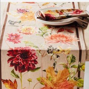 Williams Sonoma Harvest Bloom Table Runner